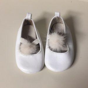 Ralph Lauren white fur puff baby shoes size 1